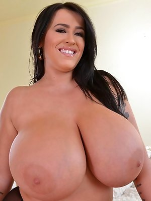 Fists On Tits: Voluptuous British Bombshell Reveals Her Giant Ti